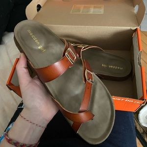 [Madden Girl] Adjustable Strap Sandals